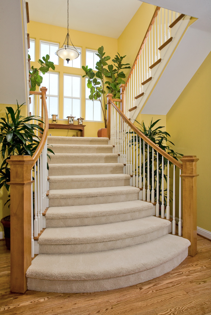 7760_Clifden_Ct_STAIRS